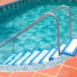 escalera para piscina 1