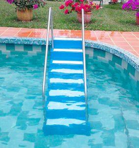 escalera para piscina