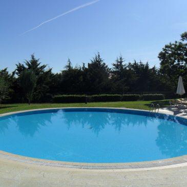 Lista de verificación para mantener su piscina